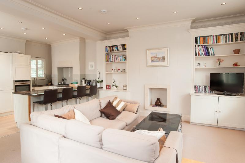 2 bed with roof terrace, walk to King's Road - Image 1 - London - rentals