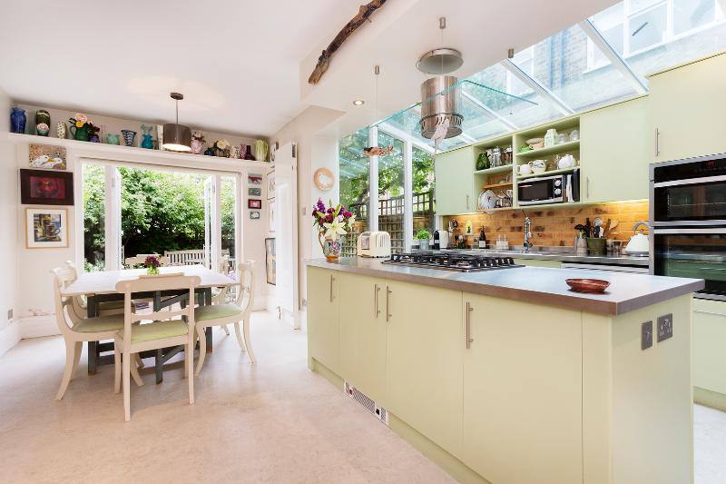 2 bed house, Fifth Avenue, Queen's Park - Image 1 - London - rentals