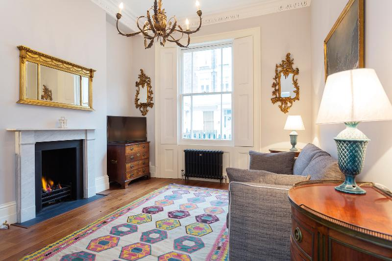 A modern one-bedroom flat in peaceful Pimlico. - Image 1 - London - rentals