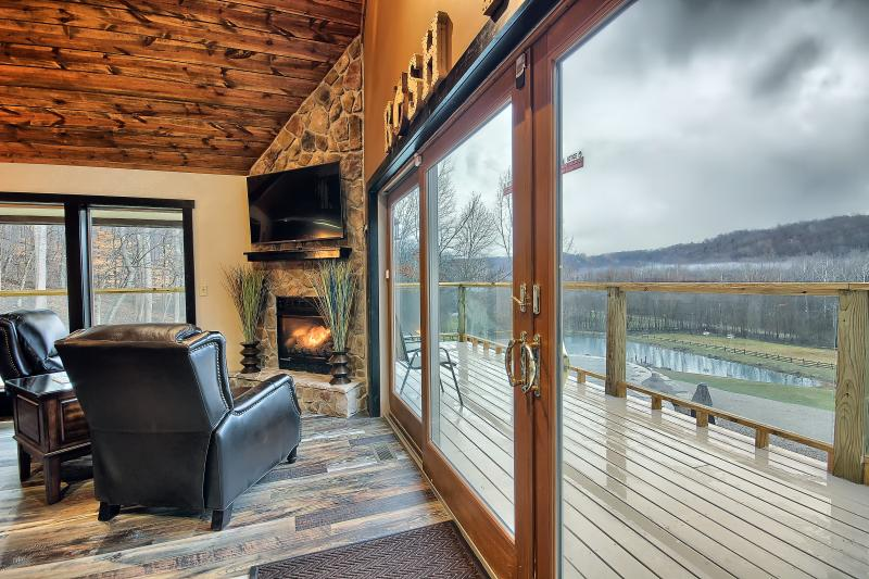Grand Opening Jan 1, 2016 Heated Pool, Hot Tub, Theater Room, Hocking Hills Lodge - Rush Resort Luxury Lodge and Horse Stables - Laurelville - rentals
