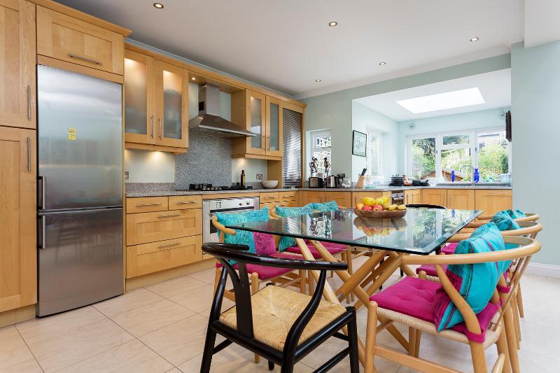 4 bed house, Latham Road, Twickenham - Image 1 - London - rentals