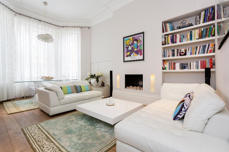 2 bed flat, Holland Park Gardens, Kensington - Image 1 - London - rentals