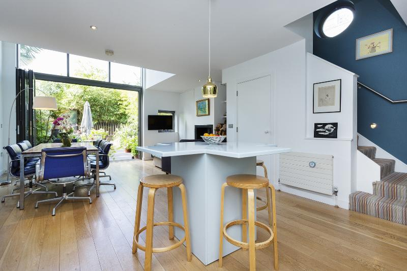4 bed house on Calabria Road, Highbury and Islington - Image 1 - London - rentals