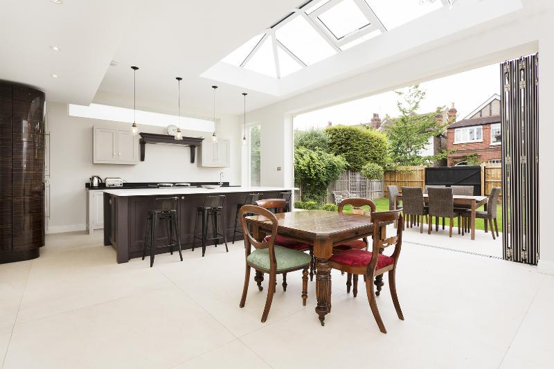 Spacious and elegant 4-bedroom home with garden. - Image 1 - London - rentals