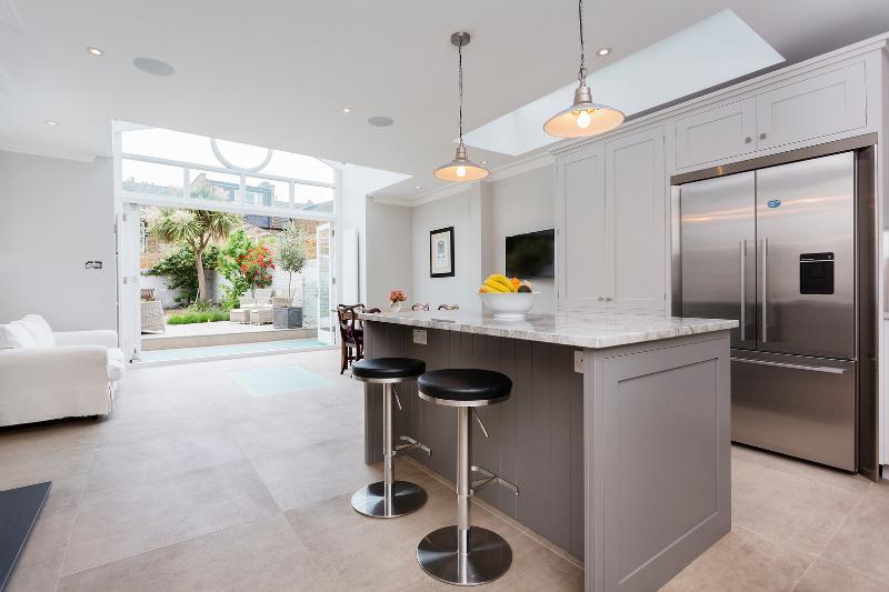Magnificent 6 bed house, Hurlingham Road, Fulham - Image 1 - London - rentals