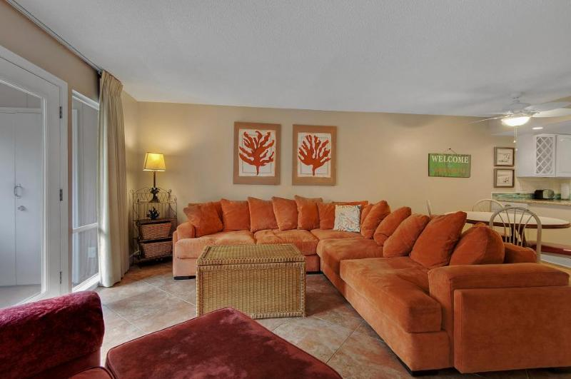 Dog-friendly condo with a resort pool & tennis, across from the beach! - Image 1 - Destin - rentals
