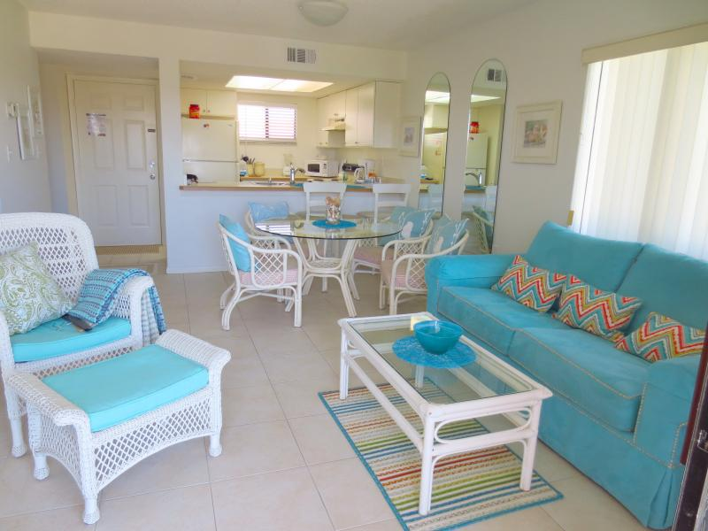#C31 Beach Island Style interior - OCEAN VILLAGE CLUB C31, BEACH, POOLS, TENNIS WIFI - Saint Augustine Beach - rentals