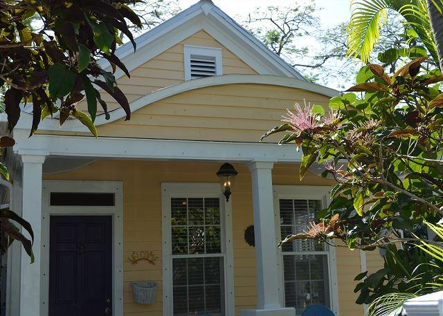 Casa Manana Conch Cottage - Image 1 - Key West - rentals