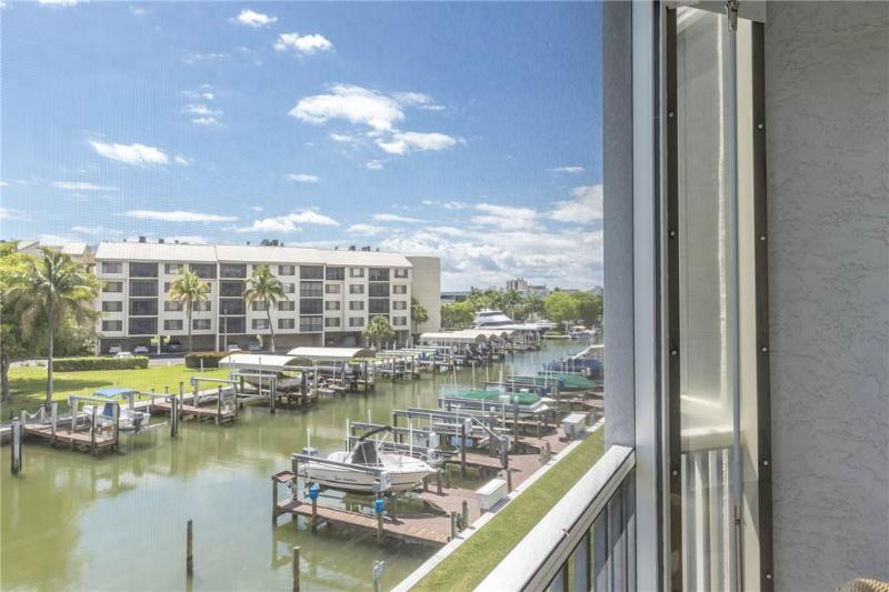 Royal Pelican 293, 2 Bedrooms, Canal View, Elevator, Heated Pool, Sleeps 5 - Image 1 - Fort Myers Beach - rentals