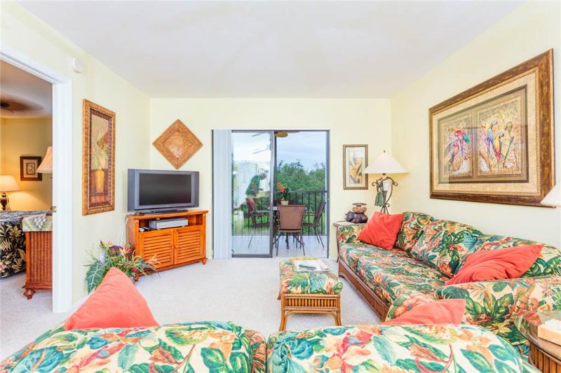 Admiral's Bay 143, 2 Bedrooms, Heated Pool, BBQ, Tennis, Elevator, Sleeps 4 - Image 1 - Fort Myers Beach - rentals