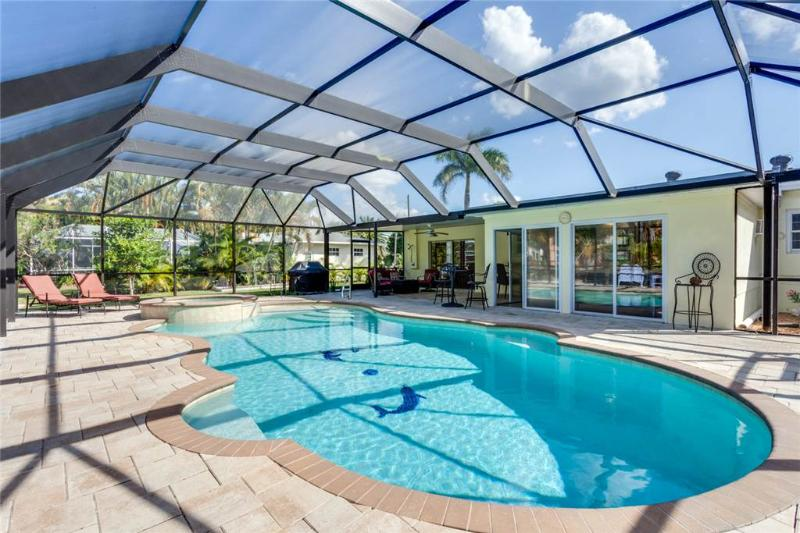 Egret Beach Home, 2 Bedrooms, Private Heated Pool, Canal, Sleeps 6 - Image 1 - Fort Myers Beach - rentals