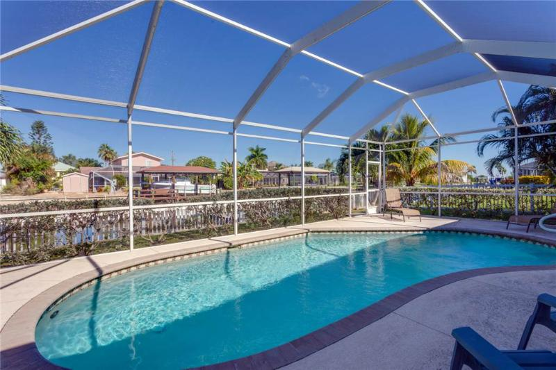 Ibis at the Beach, 3 Bedrooms, Heated Pool, Boat Dock, WiFi, Sleeps 10 - Image 1 - Fort Myers Beach - rentals