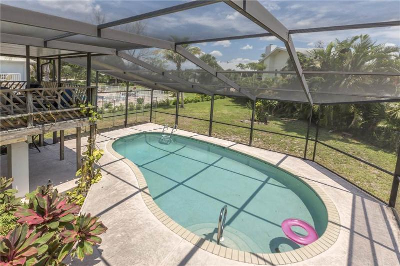 Sandal Fin Beach House, 2 Bedrooms, Heated Private Pool, WiFi, Sleeps 6 - Image 1 - Fort Myers Beach - rentals