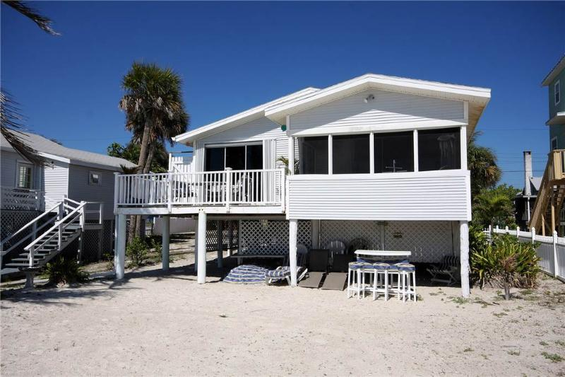 Beach House, 3 Bedrooms, Gulf Front Cottage, WiFi, Sleeps 6 - Image 1 - Fort Myers Beach - rentals