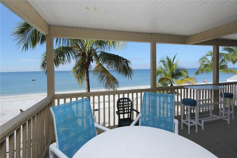 Shells n Sunshine, 3 Bedrooms, Gulf Front, WiFi, Sleeps 10 - Image 1 - Fort Myers Beach - rentals