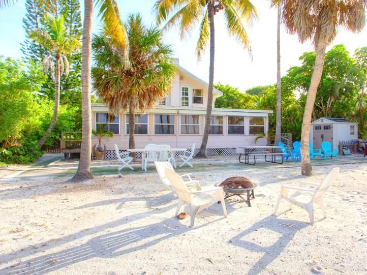 Beachfront Dunes, 3 Bedrooms plus Den, Gulf Front, Pet Friendly, Sleeps 8 - Image 1 - Fort Myers Beach - rentals
