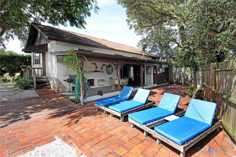 Dolphin Dreams, 2 Bedrooms, Pet Friendly, WiFi, Sleeps 8 - Image 1 - Fort Myers Beach - rentals