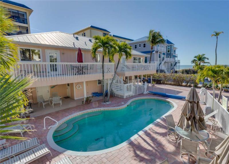 Sea Horse 1, 1 Bedroom, Heated Pool, Pet Friendly, Sleeps 4 - Image 1 - Fort Myers Beach - rentals