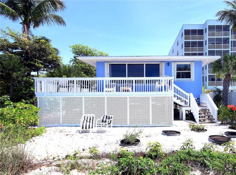 Pelican Beach House, 4 Bedrooms, Beach Front, Pet Friendly, Sleeps 10 - Image 1 - Fort Myers Beach - rentals