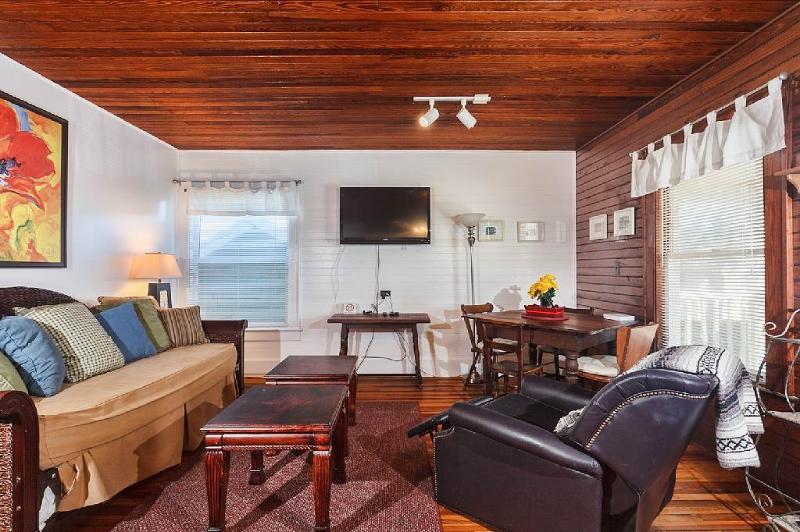 Wave Watch Cottage, Wifi, steps to St Augustine Beach Florida - Image 1 - Saint Augustine - rentals