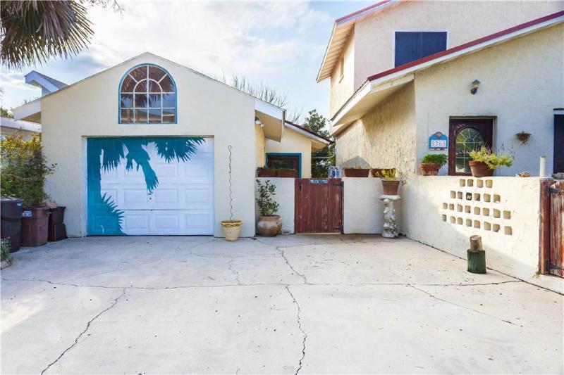 Seaside Villa, 1 Bedroom, Access to Pool, Pet Friendly, Sleeps 4 - Image 1 - Saint Augustine - rentals