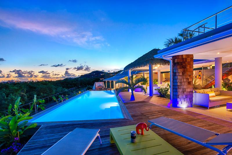 Bahia Blue, Terres Basses, St Martin 800 480 8555 - BAHIA BLUE VILLA... Fun Modern Villa with 4 Equal BRs, 5 min walk to Baie Rouge beach - Baie Rouge - rentals
