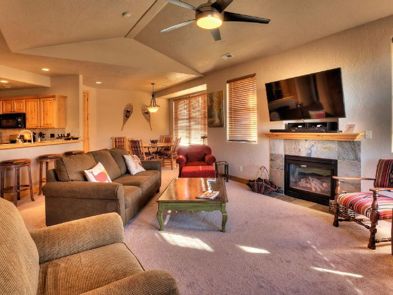 Bright, comfortable family room - 3 Bed/2 Full Bath (Special  10 day Sundance Rate) - Park City - rentals