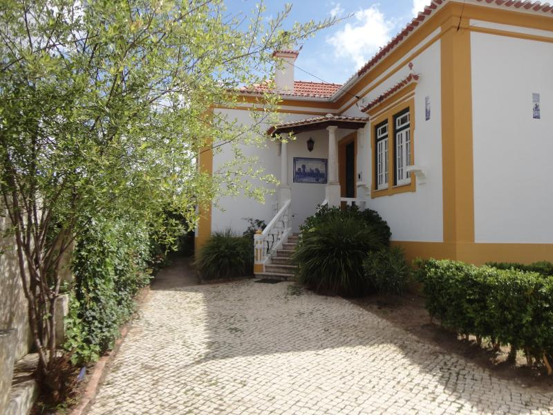 CHARMING HOUSE ON WEST COAST - Image 1 - Torres Vedras - rentals