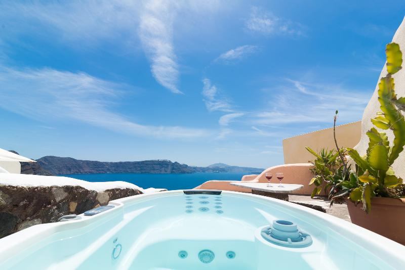 Amazing Caldera view from the mini spa and from inside the house! - GREEK PARADISE, outdoor Hot Tub, Caldera panorama! - Oia - rentals