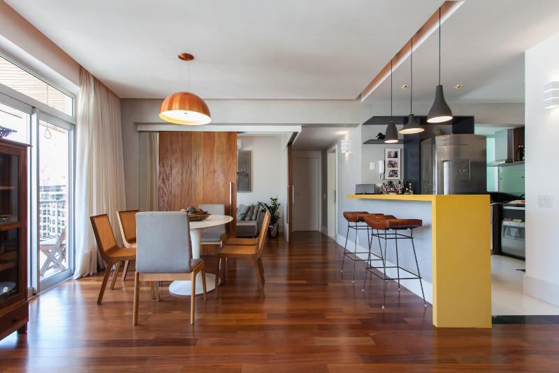 Posh 2 Bedroom Apartment Nestled in Leblon - Image 1 - Rio de Janeiro - rentals