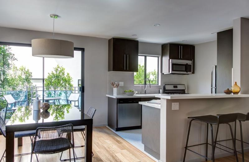 BEAUTIFUL 2 BEDROOM WESTWOOD VILLAGE APARTMENT - Image 1 - Westwood  Los Angeles County - rentals