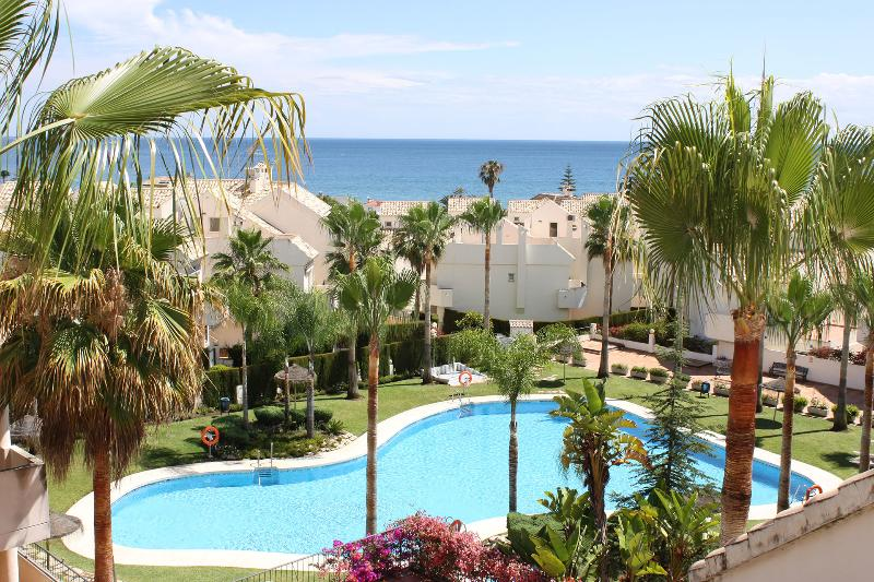 Amazing view from the roof terrace - BEACHFRONT 2 Separate Houses with amazing Poolarea - Marbella - rentals