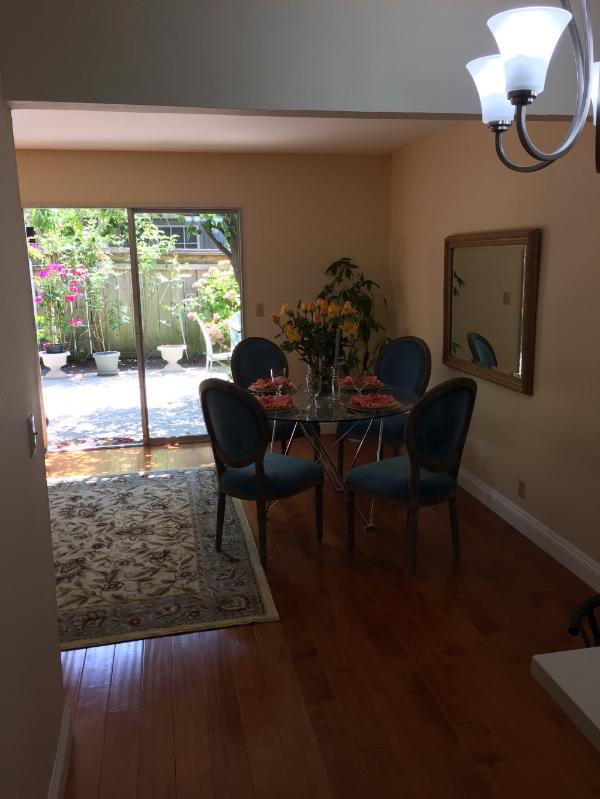 Charming and Homelike Experience - 2 Bedroom, 1.5 Bathroom in Mountain View - Image 1 - Mountain View - rentals