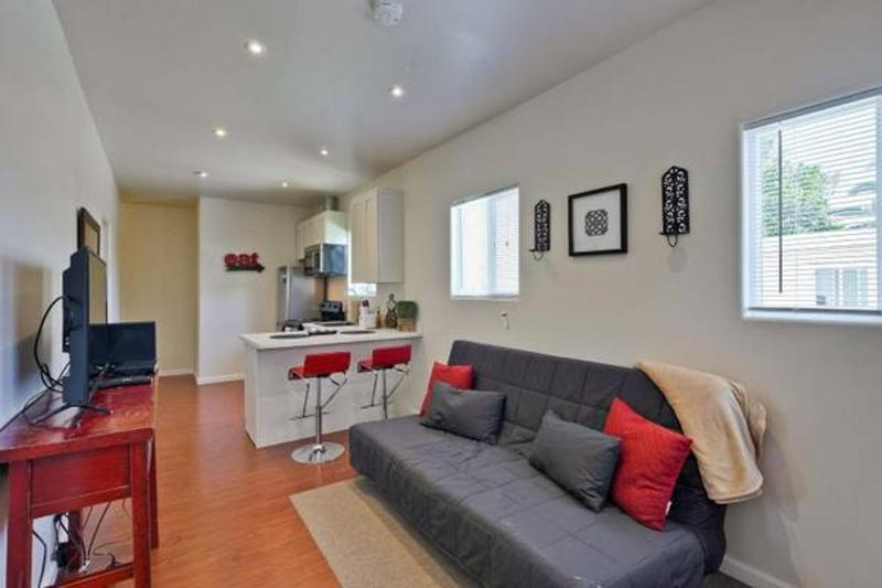 Completely Remodeled 2 bedroom Unit - Image 1 - Redwood City - rentals