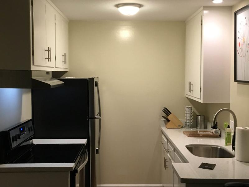 REMARKABLY FURNISHED STUDIO APARTMENT WITH VIEWS - Image 1 - Burlingame - rentals