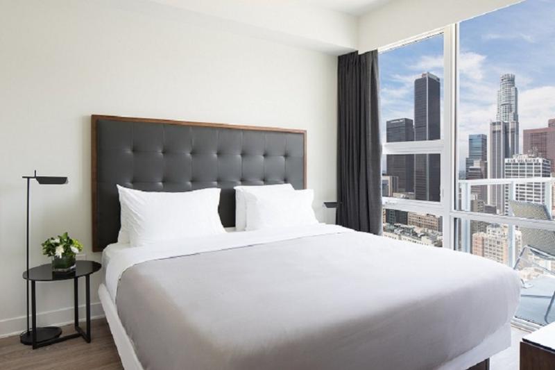Hotel-Like Living in 2 Bedroom, 2 Bathroom Apartment in LA - Image 1 - Los Angeles - rentals