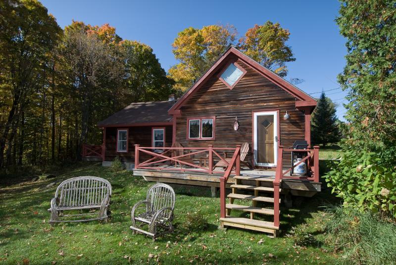 Cozy Cabin:1 Bdrm + Loft - Image 1 - Stowe - rentals
