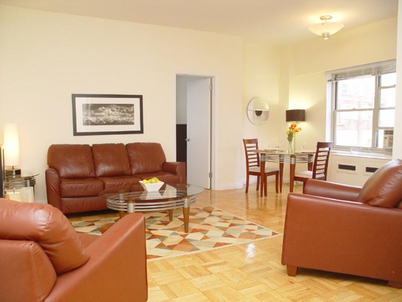 CLEAN AND WELL-APPOINTED 2 BEDROOM, 2 BATHROOM APARTMENT - Image 1 - New York City - rentals