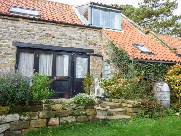 THE HAYLOFT, studio accommodation, private patio, eco central heating, in Cloughton, Scarborough, Ref 930998 - Image 1 - Scarborough - rentals