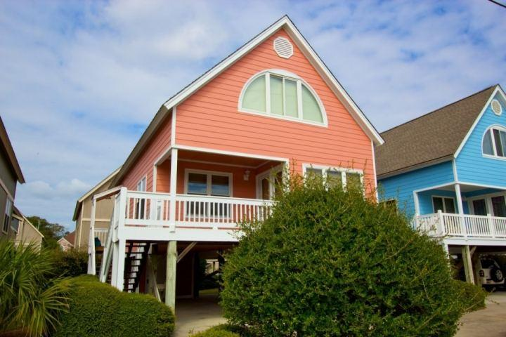 Enjoy the privacy of a free standing house at Seabridge - Seabridge, 1016 N. Ocean - Surfside Beach - rentals