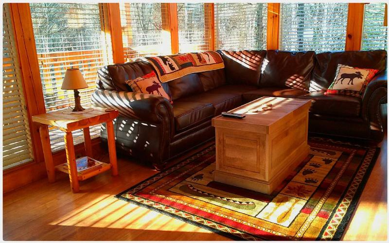 Playful Paws' windows bring the outdoors in - Rustic Elegant Peaceful 2 BR Mountain Cabin - Gatlinburg - rentals