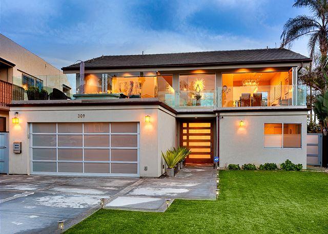 Quintessential Beach House with Ocean Views - Elegant & contemporary beach sanctuary boasting ocean & sunset views - La Jolla - rentals