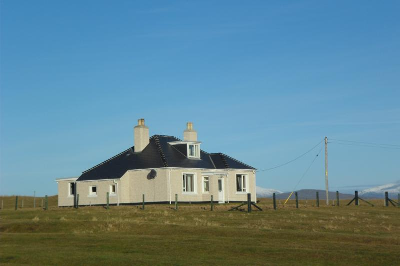 Holiday Cottage  Sleeps 6  1 bathroom - Image 1 - Isle of Harris - rentals