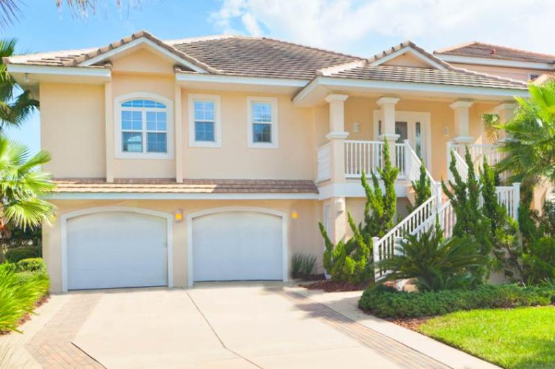 Sand Castle, 4 Bedrooms, Cinnamon Beach, Pet Friendly, WiFi, Sleeps 10 - Image 1 - Daytona Beach - rentals