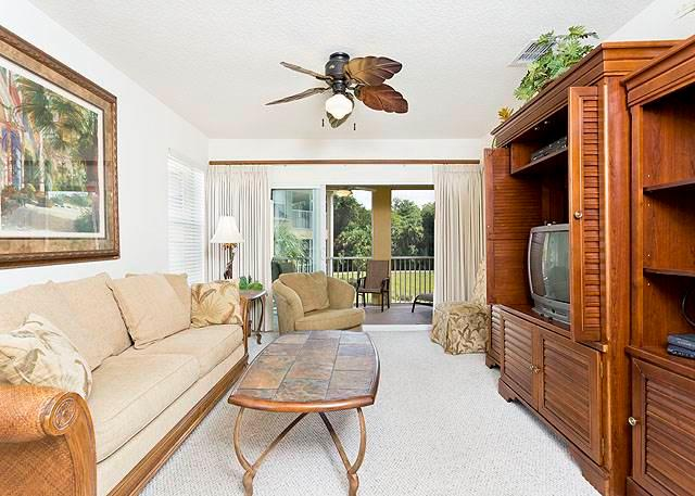 Canopy Walk 1121, Gated, End Unit, 3 bedrooms,wifi, pool, spa, fitness room - Image 1 - Palm Coast - rentals
