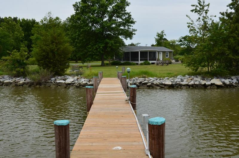 View of The Cottage from the end of the dock - Cottage at Heron Cove, Chesapeake Bay, Cambridge - Cambridge - rentals