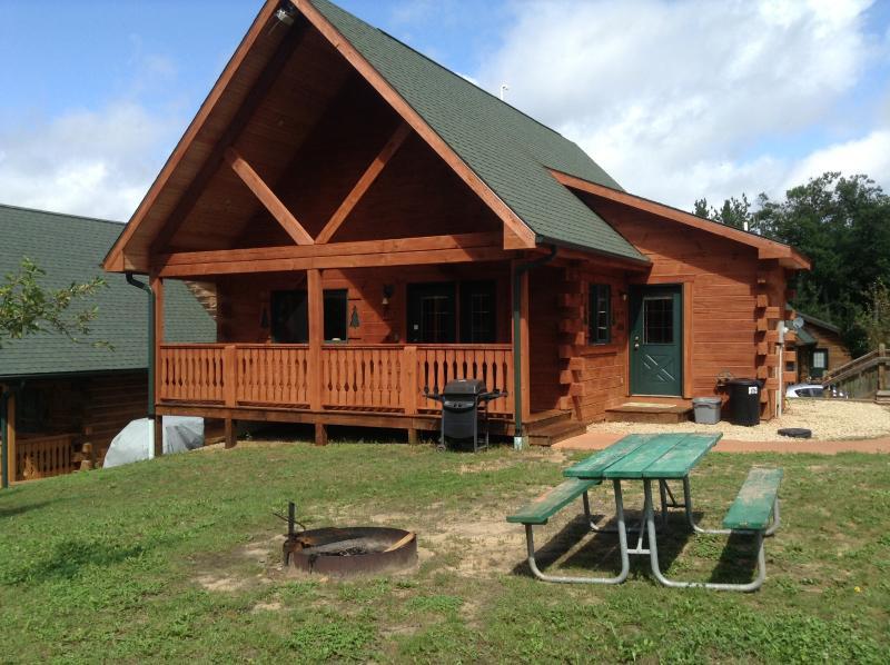 3 Bears Lodge- Villa -Jellystone  115 - 200 - Image 1 - Warrens - rentals