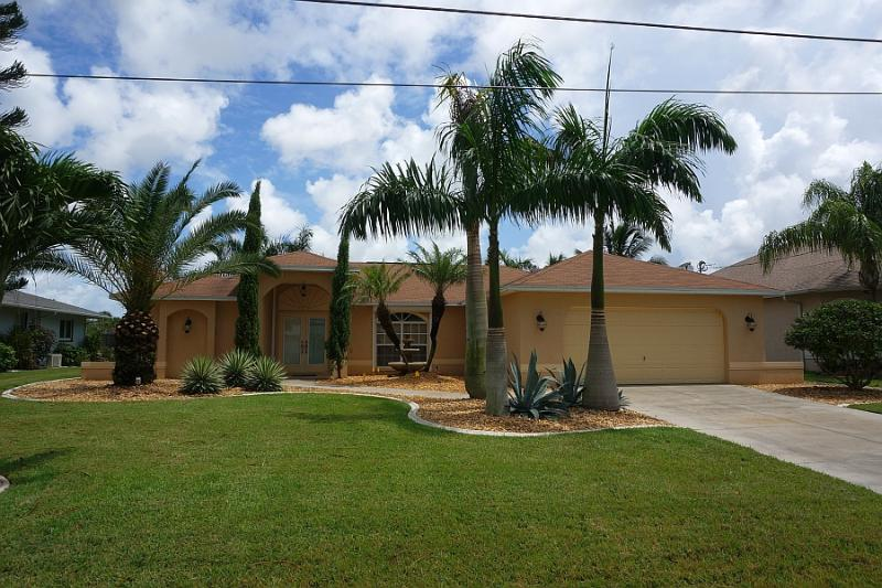 20% off til Feb - Cape Gulf Access Pool 5 Bedrooms - Image 1 - Cape Coral - rentals