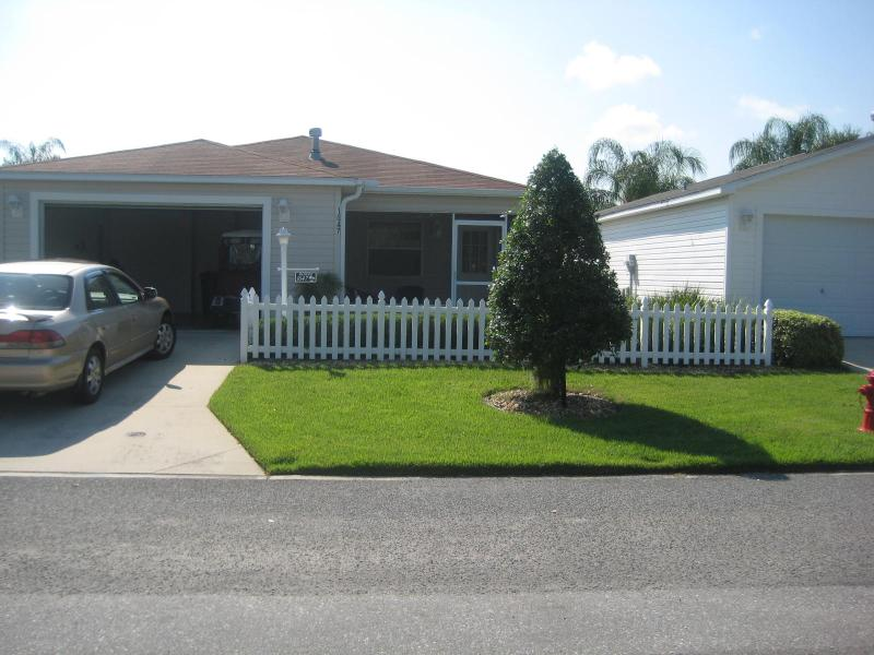 front year view - FULLY FURNISHED W GOLF CART - Wildwood - rentals