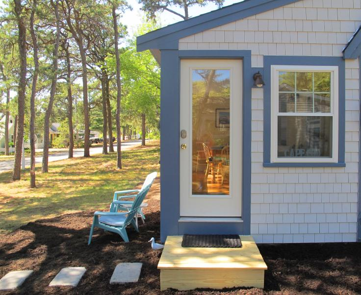 Summer Pines Cottage in lovely setting under the pines. - Swim Kelleys Pond   Walk to Beach Charming Cottage - West Dennis - rentals